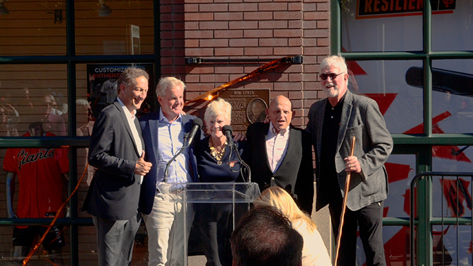 'His legacy will live forever': Giants celebrate owner Bob Lurie with Wall of Fame ceremony