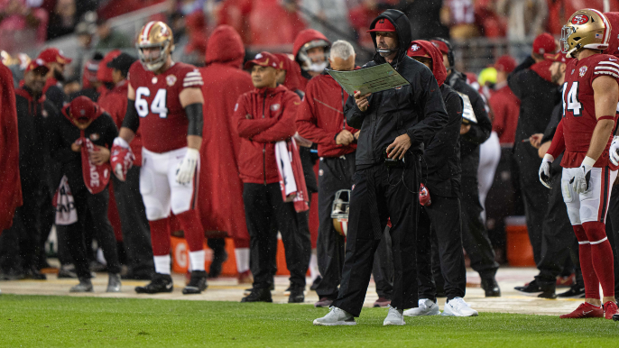 Kyle Shanahan explains bizarre challenge in loss to Colts