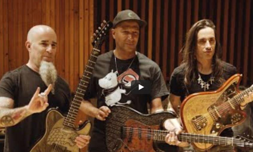 Watch: Game of Thrones Guitars