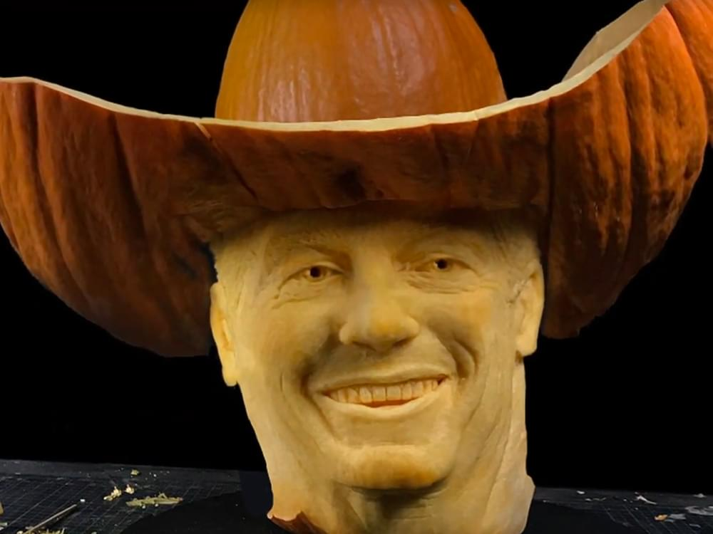 Watch George Strait's Face Become Pumpkin Art