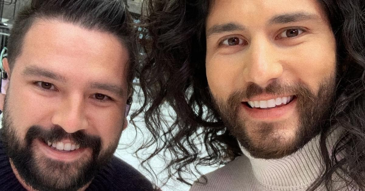 Dan + Shay Are Keeping the Christmas Vibe Going For the Rest of 2020