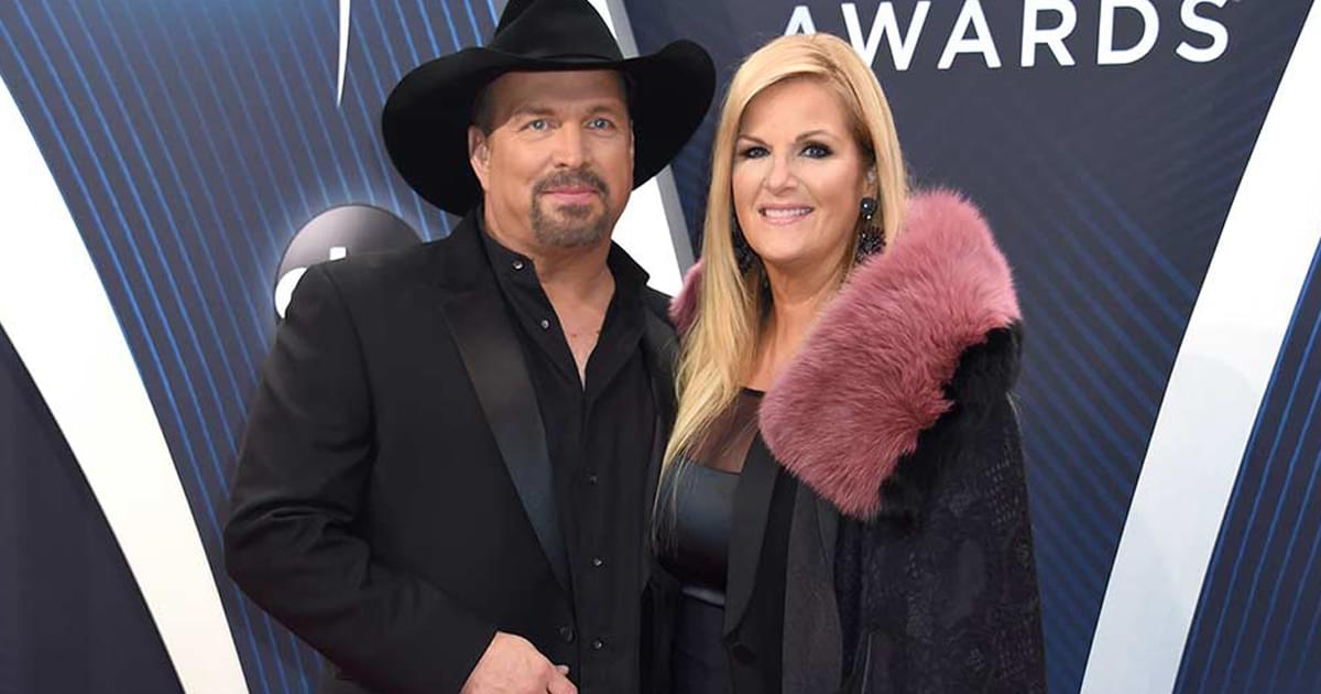 Garth Brooks Teases Acoustic Show With Trisha Yearwood on July 7