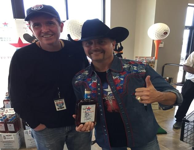 Watch John Rich's Surprise Acoustic Set at Montgomery ABC Store [VIDEO]