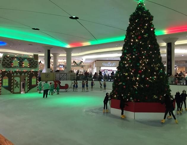 Join I-92 WLWI at Eastdale Mall for Santa's Arrival on Ice