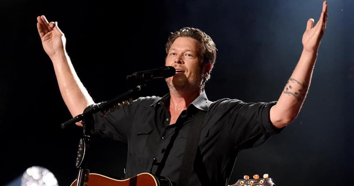 "Blake Shelton's ""God's Country"" Named Single of the Year at ACM Awards"