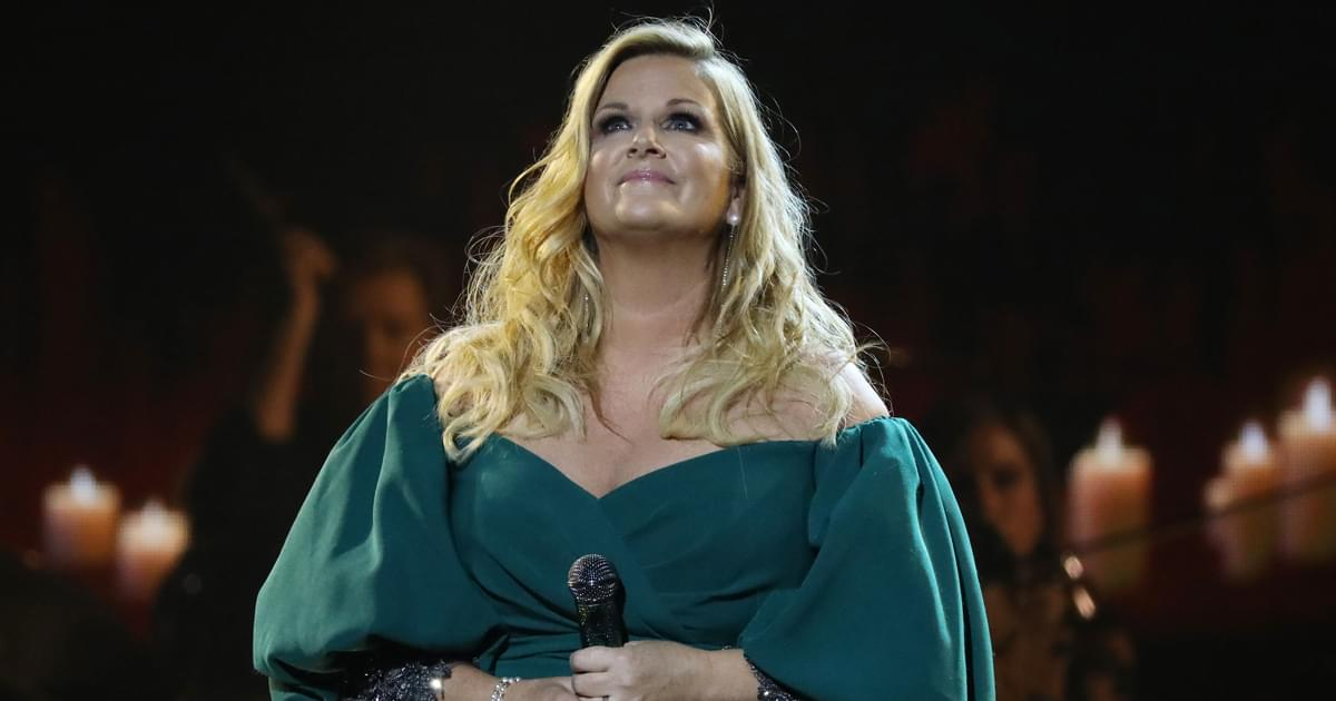 """Trisha Yearwood Releases Reflective New Video for """"I'll Carry You Home"""" [Watch]"""