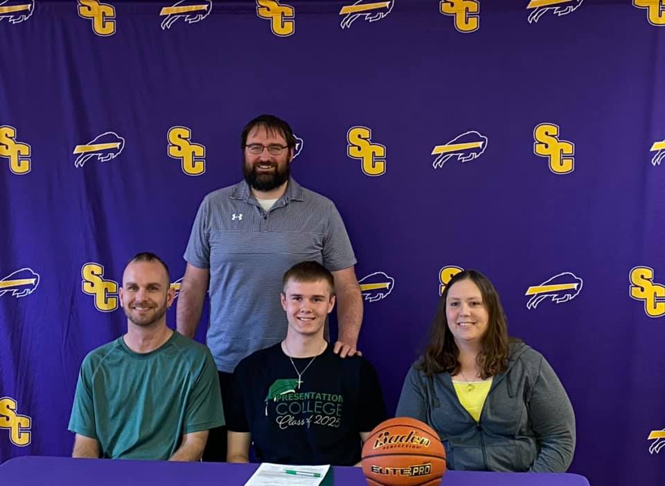 Bohman Signs with Presentation College