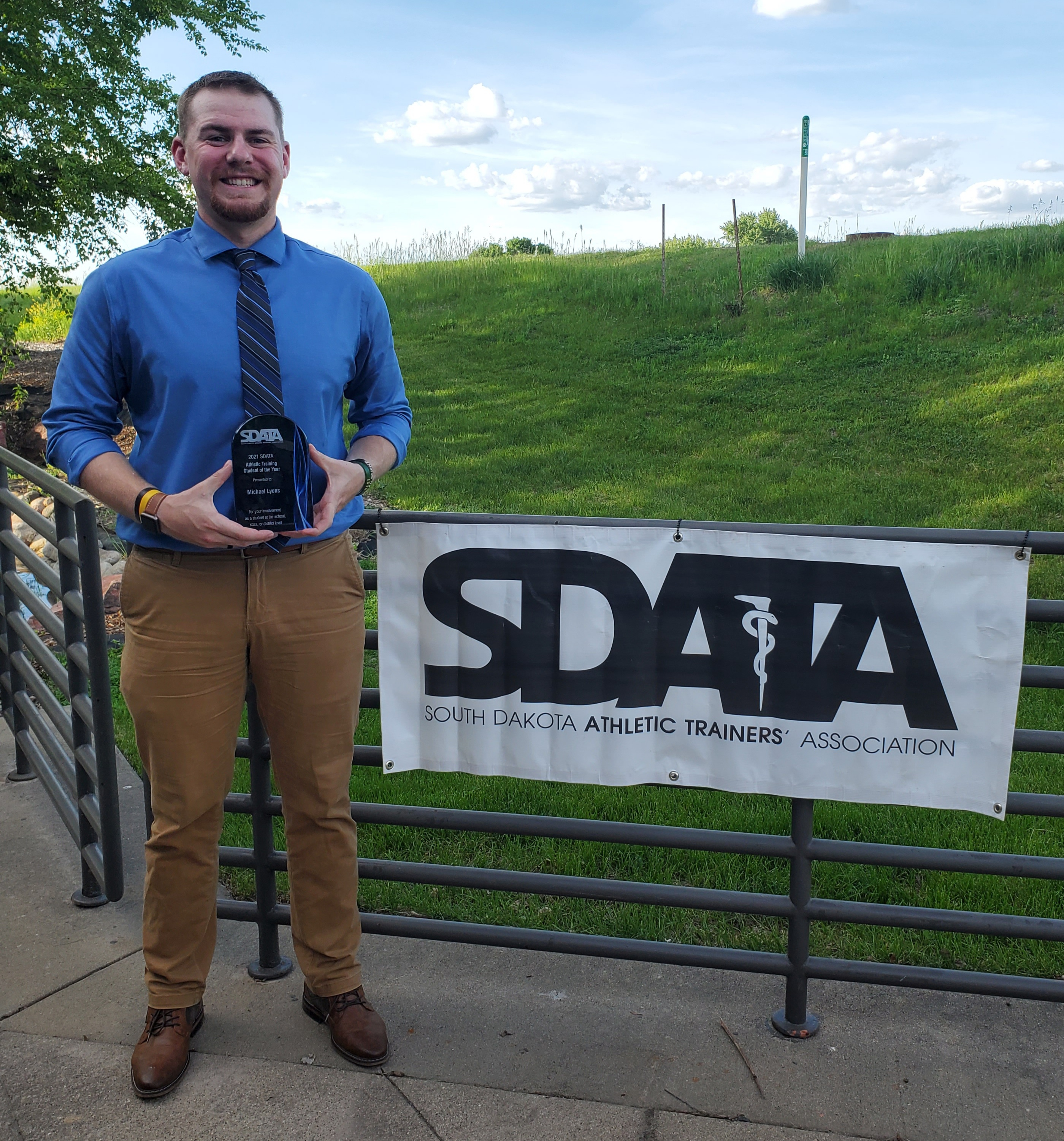 Lyons Sees South Dakota Athletic Trainer Student of the Year Award as Inspiration