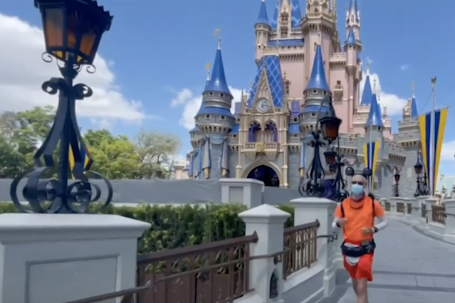 Texas man becomes first person to run from Disneyland to Disney World