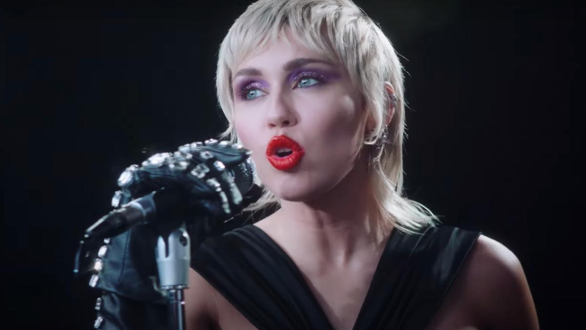 Miley Cyrus is Doing a Metallica Covers Album
