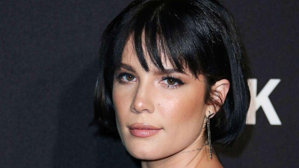 "Halsey Announces New Makeup Brand, ""About-Face"""
