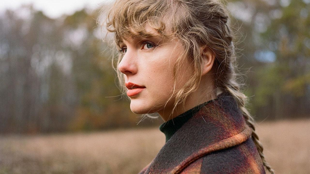 Taylor Swift Drops Deluxe Edition of 'Evermore' on Streaming, With Lyric Videos For Bonus Tracks
