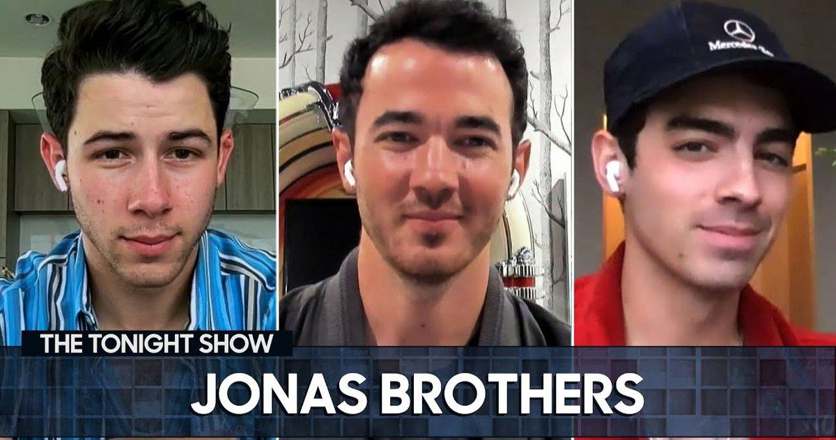 The Jonas Brothers Challenge The Hemsworth Brothers to a UFC Fight