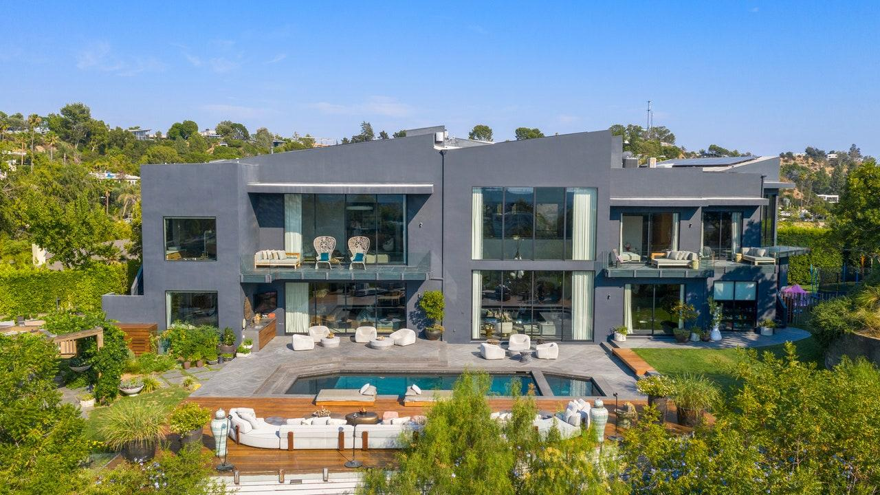 John Legend And Chrissy Teigen Sell Home At $7.15 Million Below Asking Price
