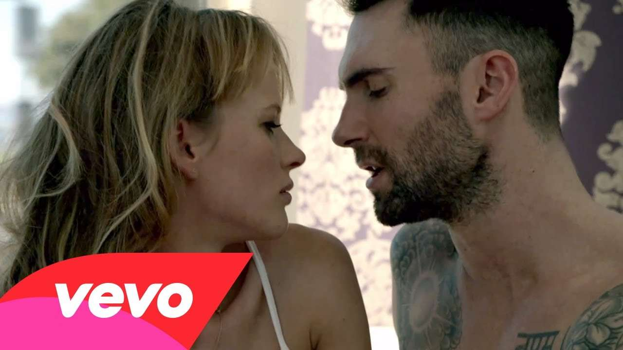 Maroon 5 – Never Gonna Leave This Bed