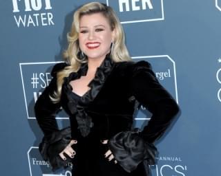 Kelly Clarkson Postpones Las Vegas Residency to 2021