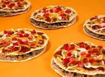 """Taco Bell Says Goodbye To """"Mexican Pizza"""""""