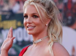 Britney Spears Reminds Fans to Cleanse