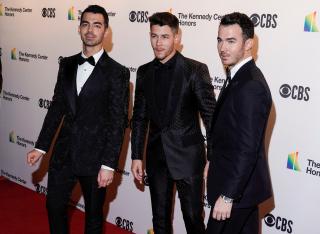 Taylor Swift-Jonas Brothers Collab ?