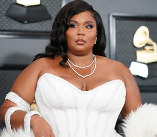 Lizzo Shows Off Green Hair