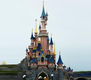 Disney, Universal Want Cali Theme Parks Reopened