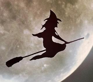 Halloween will Feature a Full Moon for the 1st Time Since 1944