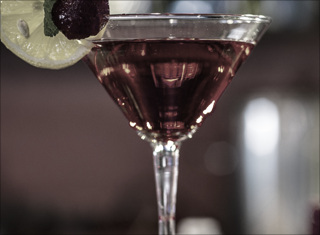 Should you tip $1 or 20% per drink?