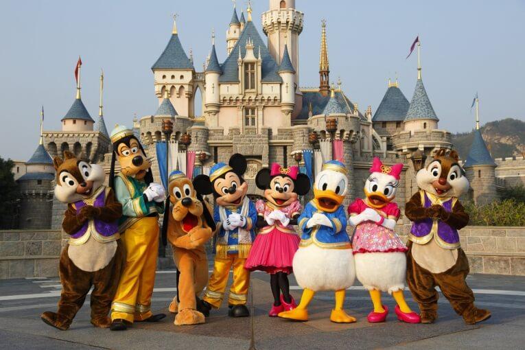 """Disney World prohíbe los """"selfie-sticks"""" en los parques"""