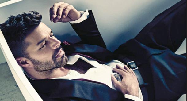 VIDEO: ¡Ricky Martin te da una mordidita!