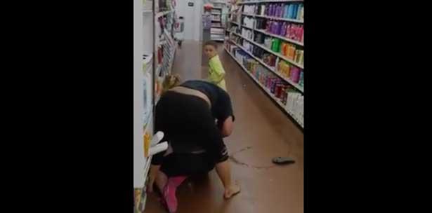 Se caen a gaznatás en una tienda y nadie hace nada