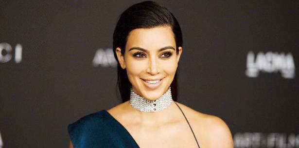 Kim Kardashian deja al desnudo su embarazo