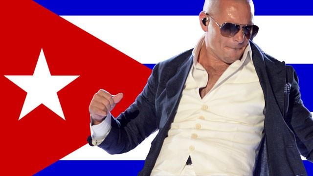 Exiliados cubanos estallan contra Pitbull