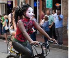 Filadelfia: 3.000 ciclistas nudistas entran en foto de boda