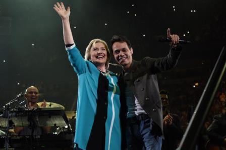 Hillary Clinton en el concierto de Marc Anthony en Miami