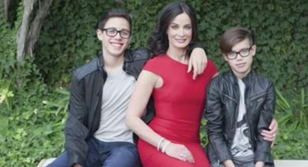 ¡Ex Miss Universo al fin enseña los hijos que tuvo con Marc Anthony!