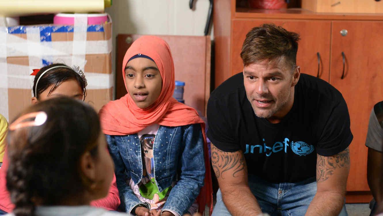 """Ricky Martin hace llamado por los niños en Siria: """"El mundo debe hacer mayores esfuerzos"""""""