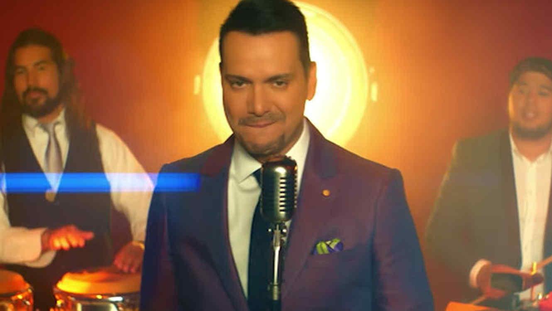 Victor Manuelle re-escribe el récord de más canciones en el número uno de Tropical Songs!!!