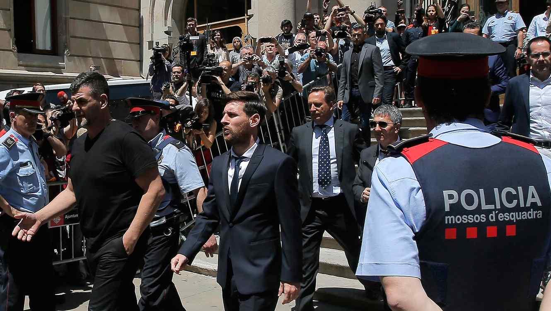 """Fans y """"haters"""" pierden la cabeza en las redes por el escandalo del fraude de Messi!!!"""