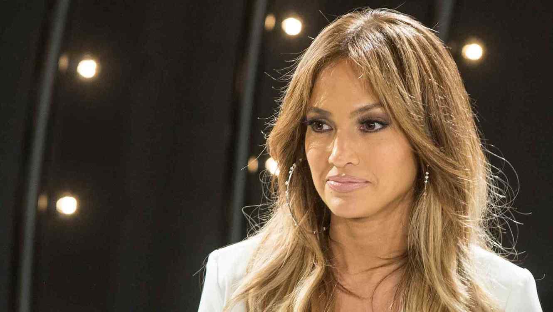 Jennifer Lopez obtiene orden de restricción contra presunto acosador!!!