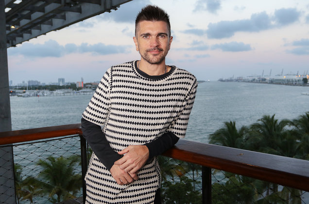 Juanes Earns Fifth No. 1 on Top Latin Albums Chart With 'Mis Planes Son Amarte'