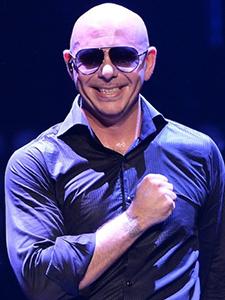 Pitbull envía un avión privado a Puerto Rico para pacientes con cáncer!!!