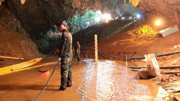 Rescuers begin process of removing boys from cave in Thailand