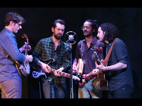 """Darlingside performing """"Whippoorwill"""" – 1/14/16"""