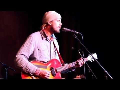 "Rayland Baxter performing ""Dreamin"" – 2/3/16"