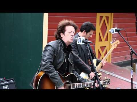 "VIDEO: Willie Nile performing ""Life On Bleecker Street"" – 4/29/16"