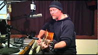 """Shawn Mullins Performing """"Lullaby"""" on Radio Woodstock 100.1 WDST  Live @ 5 11/3/10"""