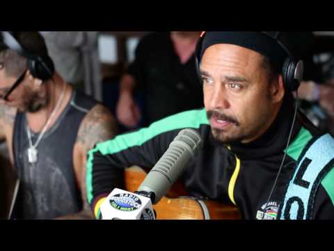 """VIDEO: Michael Franti & Spearhead Interview & Performance """"Crazy for You"""" – Mountain Jam 2016"""