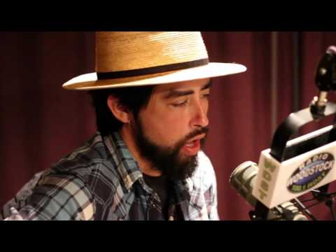 """Jackie Greene performing """"Light Up Your Window"""" – 12/5/15"""