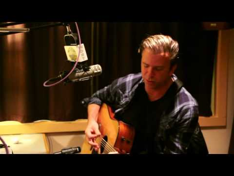 """Chris Trapper performing """"Not The End Of The World"""" at Radio Woodstock 100.1 12/3/15"""