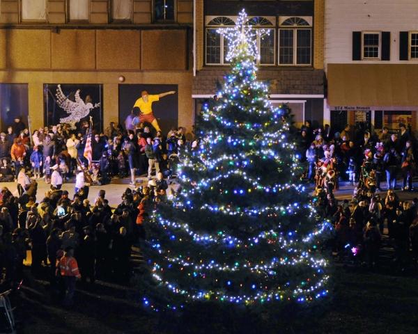 Celebration Of Lights Parade & Fireworks